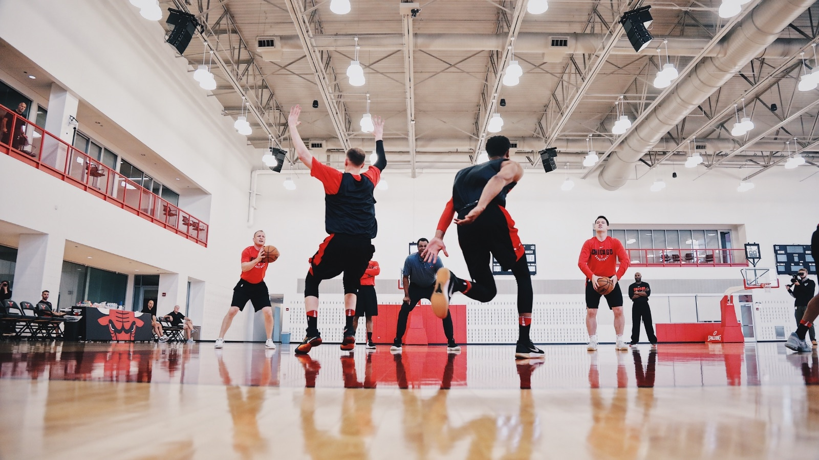 Bulls hold summer league practice at the Advocate Center