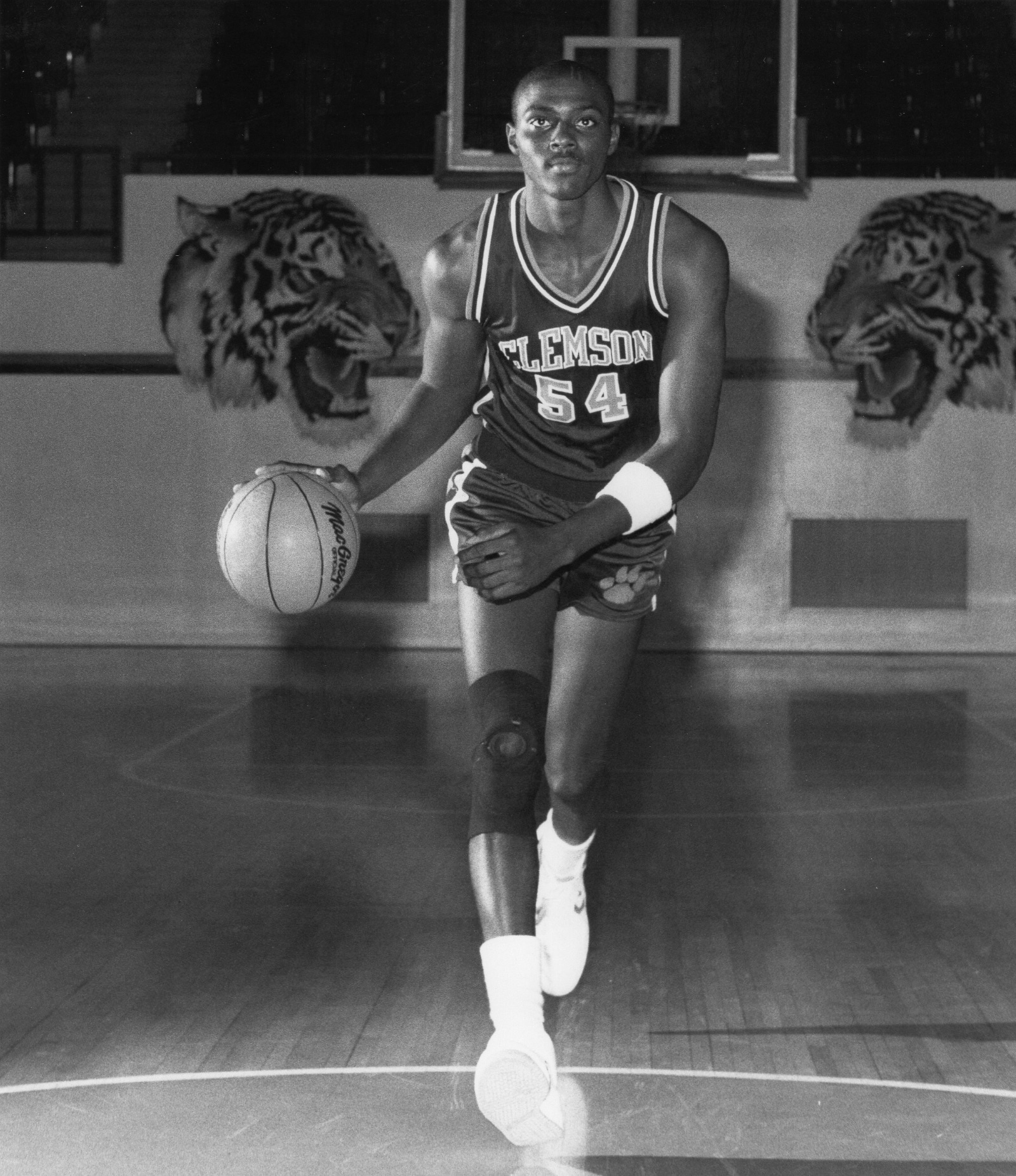 A young Horace Grant playing for Clemson University
