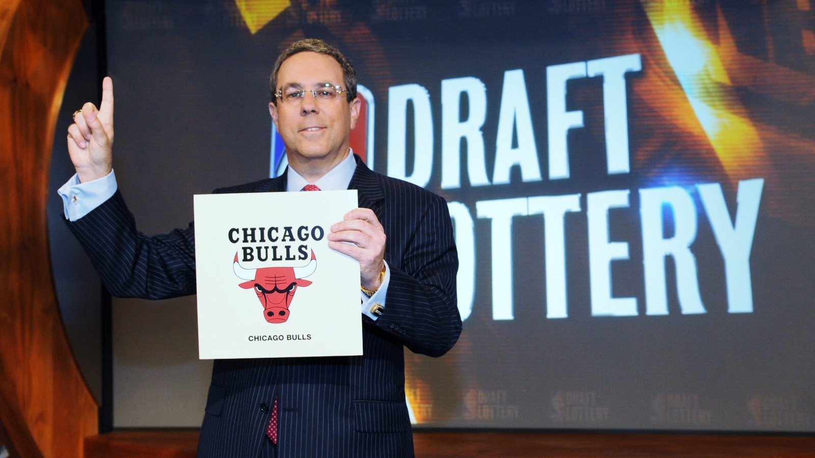 Steve Schanwald celebrates the Bulls receiving the number one pick in the 2008 NBA Draft Lottery
