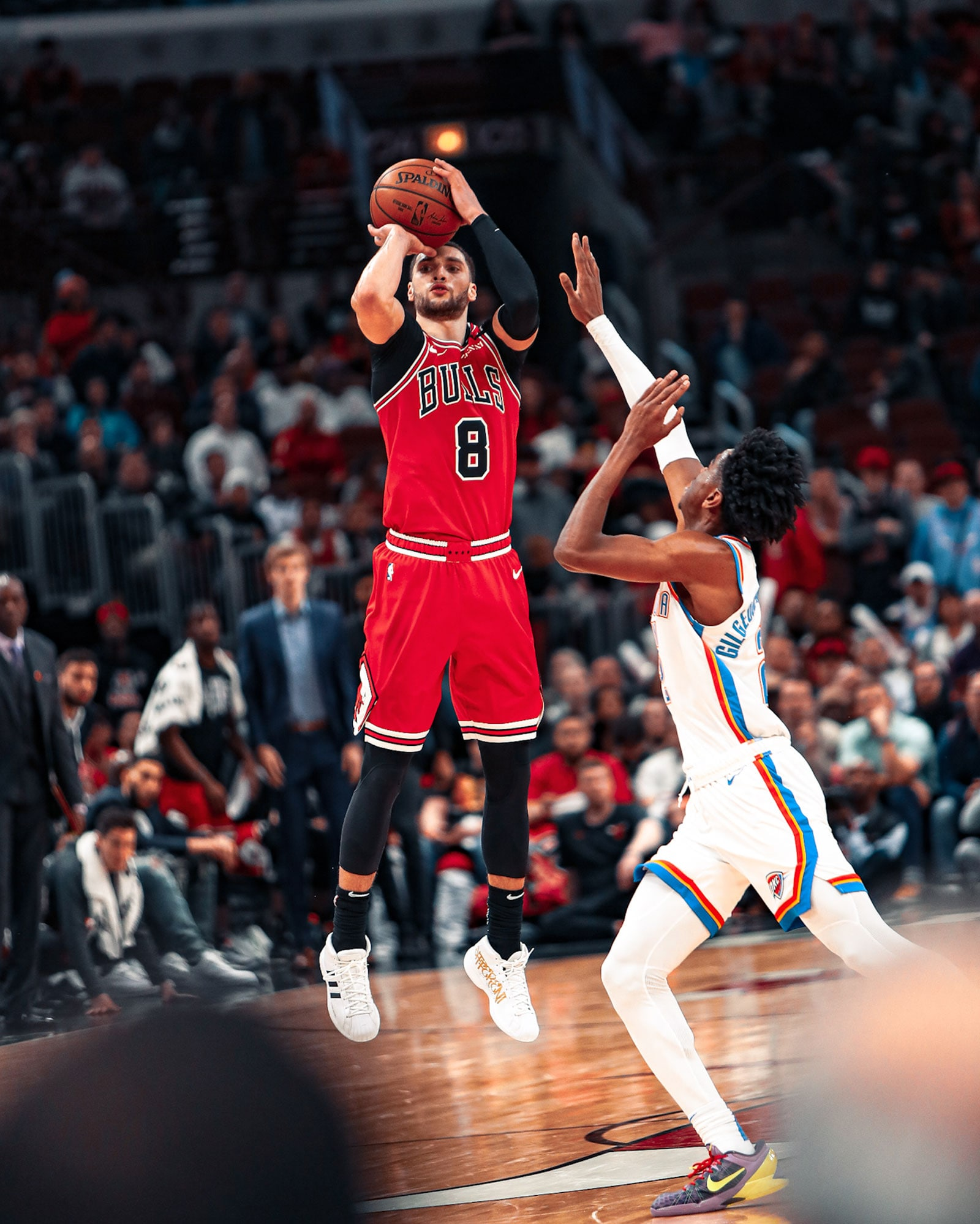 Zach LaVine shoots against the Oklahoma City Thunder, finishing with 41 points on Tuesday night.