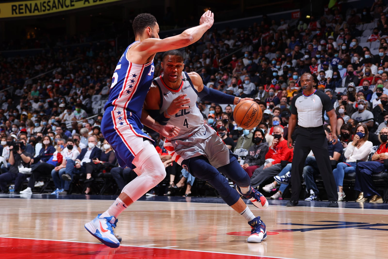 Russell Westbrook drives against the 76ers