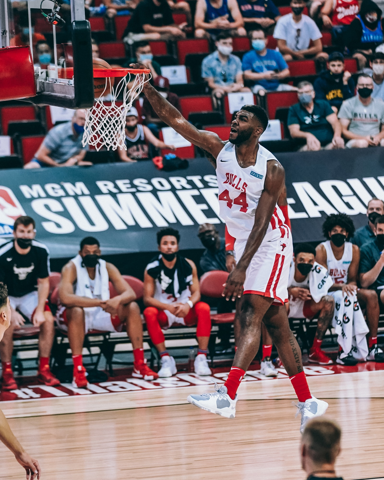 Patrick Williams skies for a one-hand jam vs. New Orleans