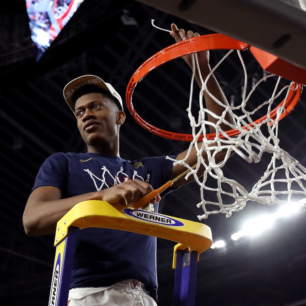 De'Andre Hunter Cutting down a Net during March Madness