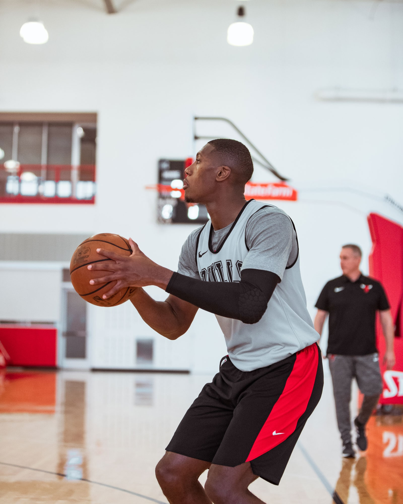 Kris Dunn shoots the ball during Training Camp