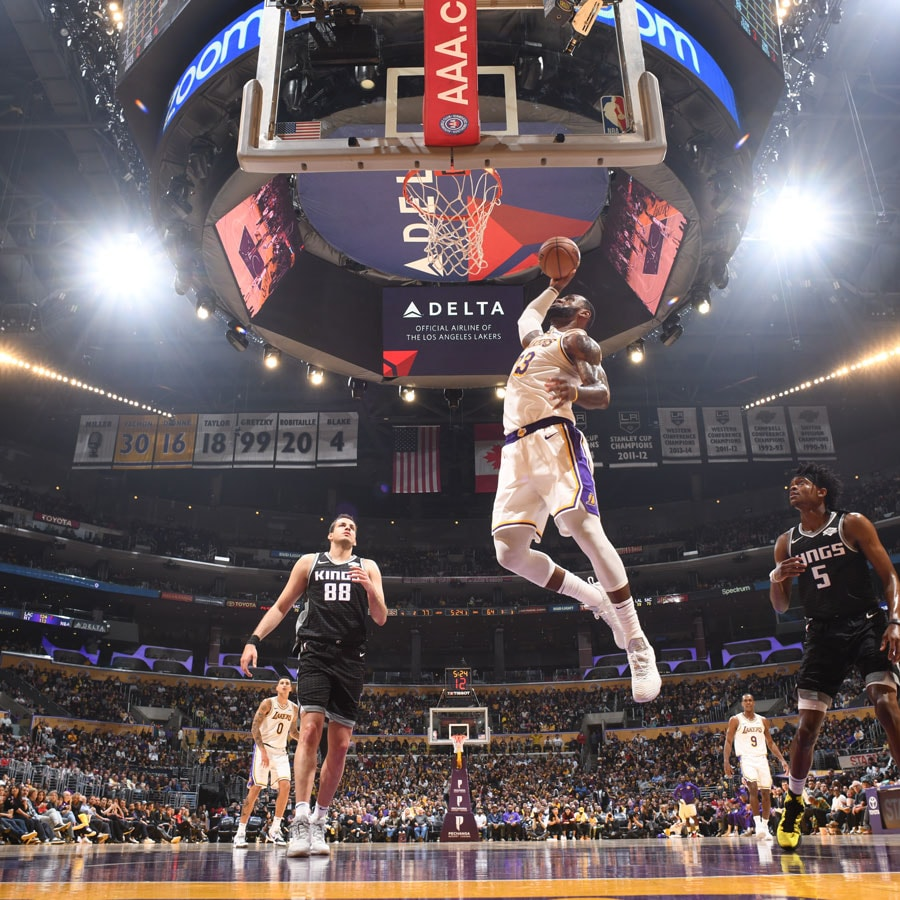 LeBron James #23 of the Los Angeles Lakers dunks the ball during the game against the Sacramento Kings on March 24, 2019 at STAPLES Center in Los Angeles, California.