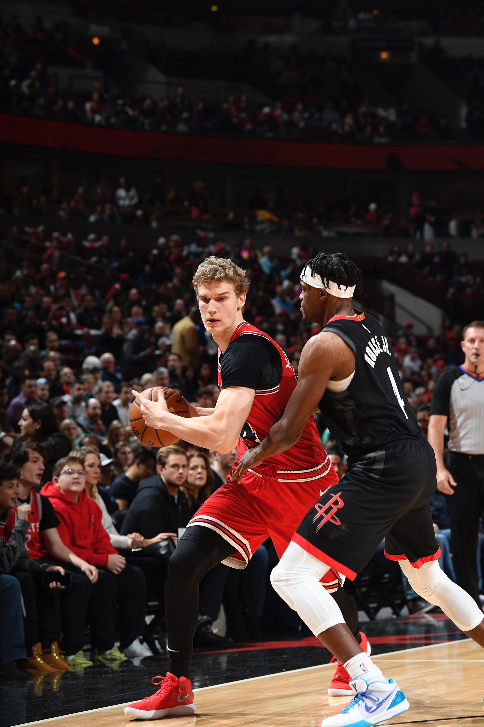 Lauri about to drive the ball