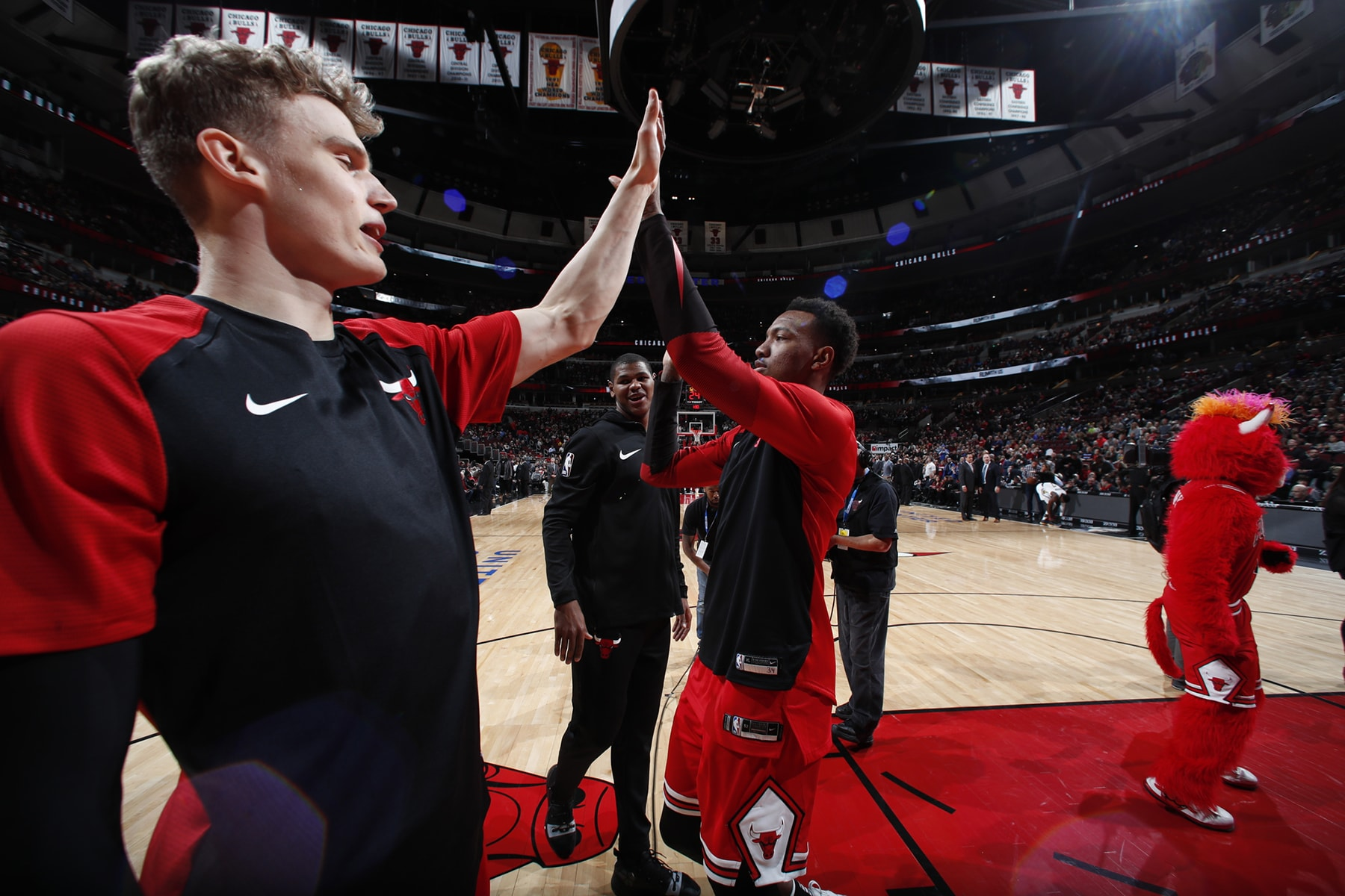 Lauri & Wendell High Five