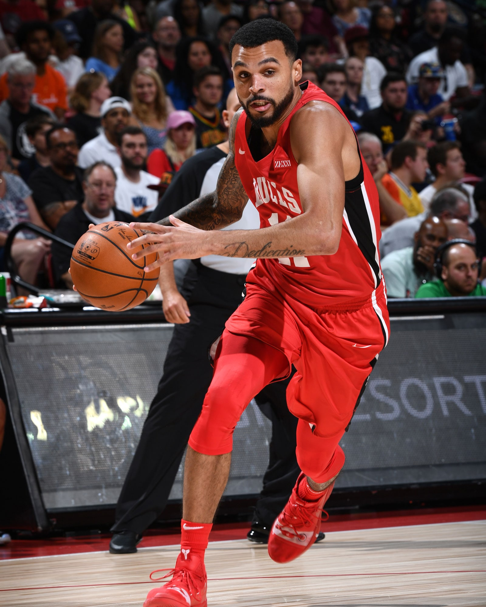 Mychal Mulder #11 of the Chicago Bulls drives to the basket against the Cleveland Cavaliers during Day 3 of the 2019 Las Vegas Summer League on July 7, 2019 at the Thomas & Mack Center in Las Vegas, Nevada.