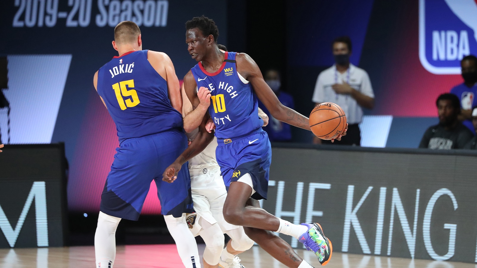 Bol Bol in action for Denver