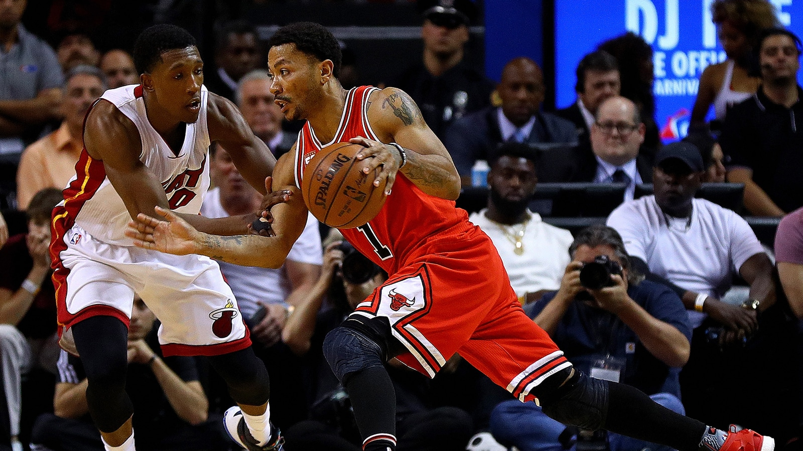 Rose drives for the Chicago Bulls