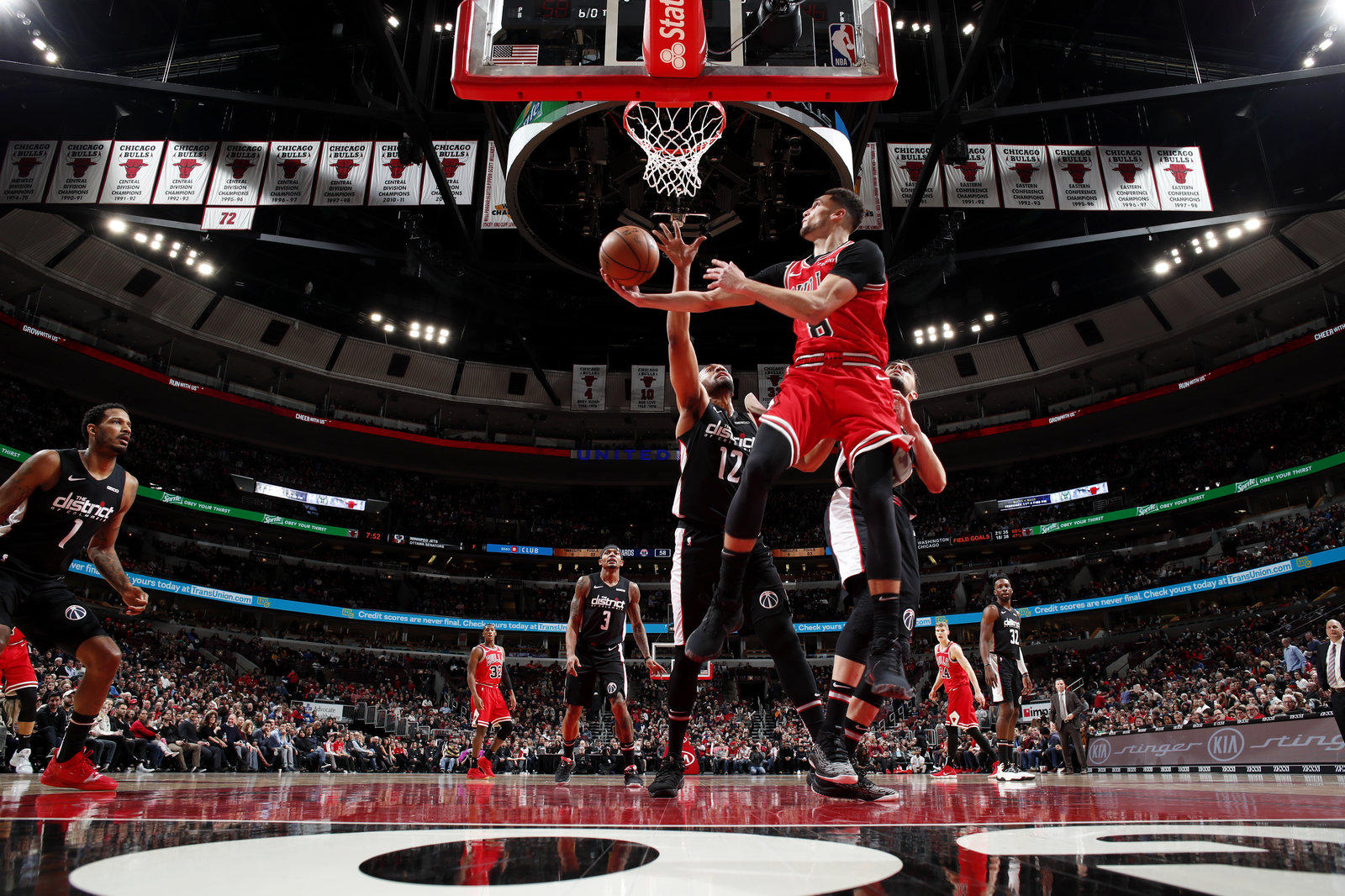 Zach LaVine drives to basket against Washington Wizards.