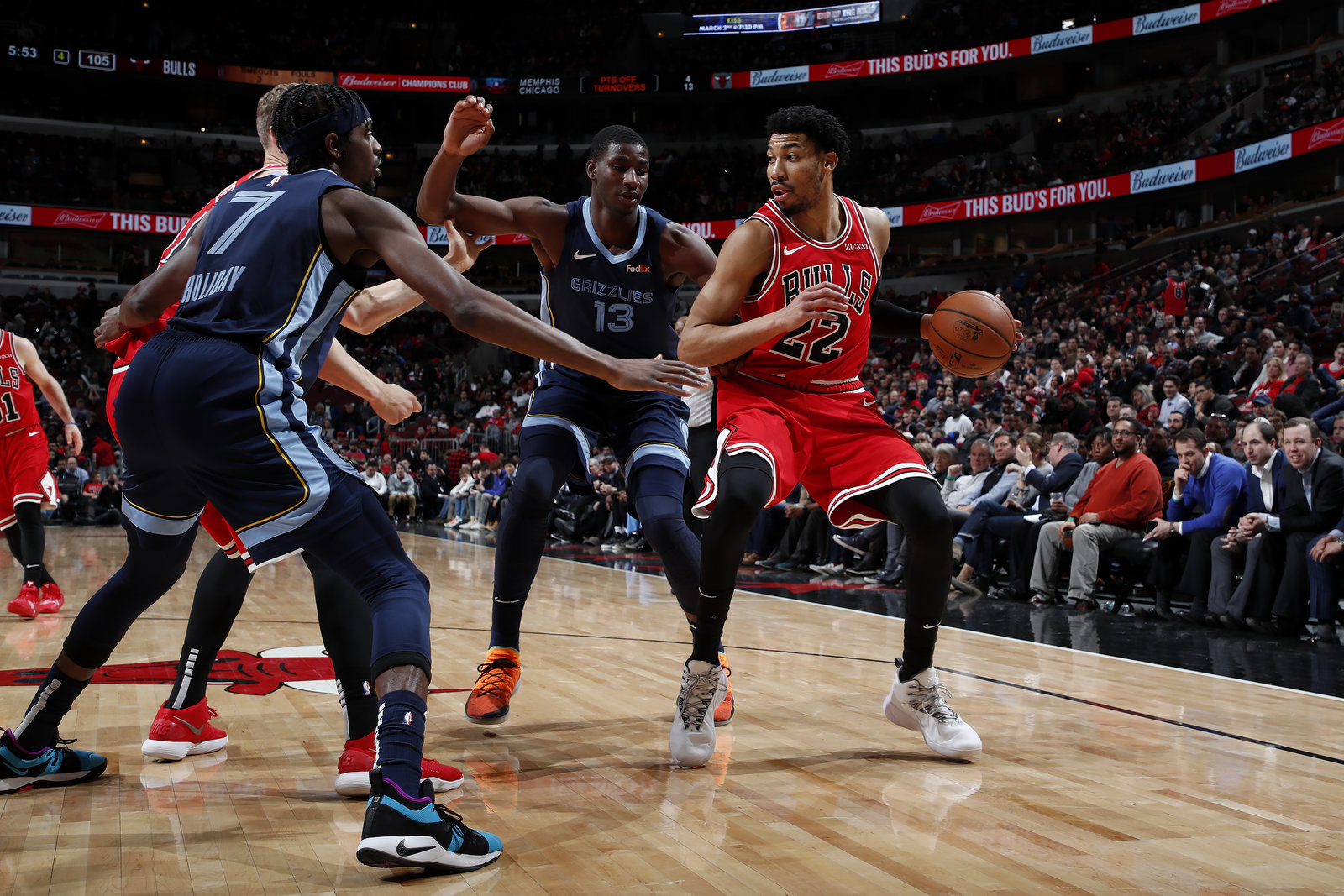 Otto Porter Jr. looks to score against Memphis Grizzlies