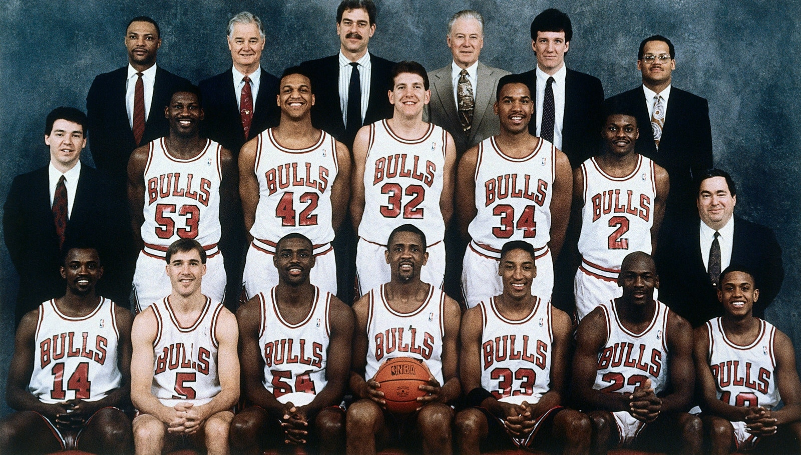 The 1990-91 NBA Chicago Bulls pose for a team portrait in Chicago, IL.
