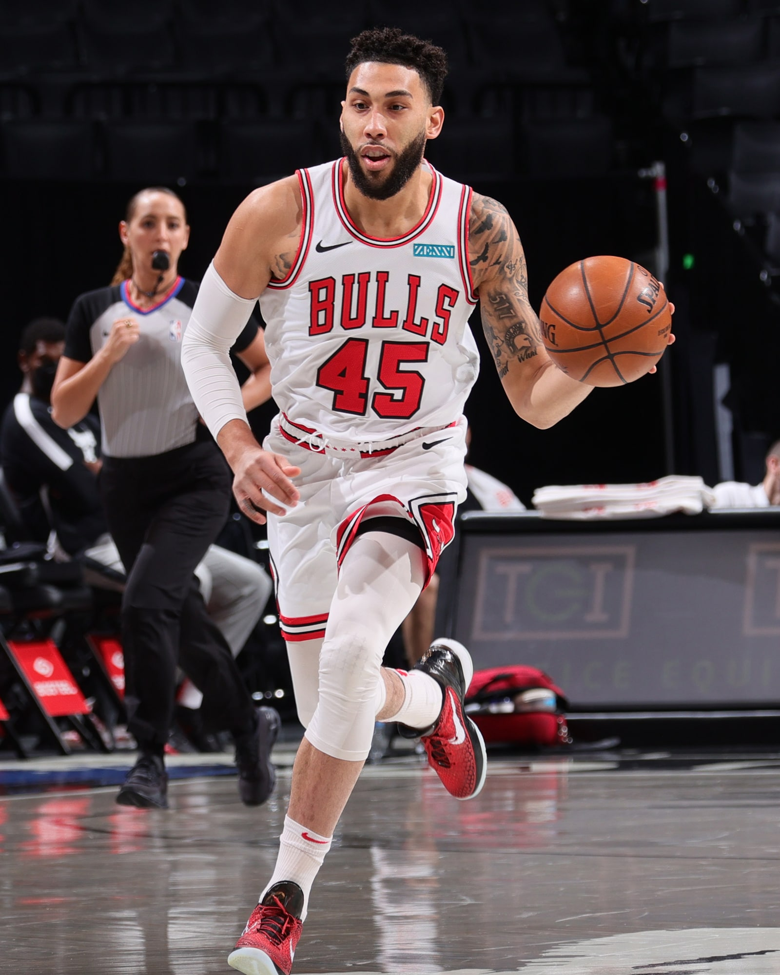 Denzel Valentine brings the ball up