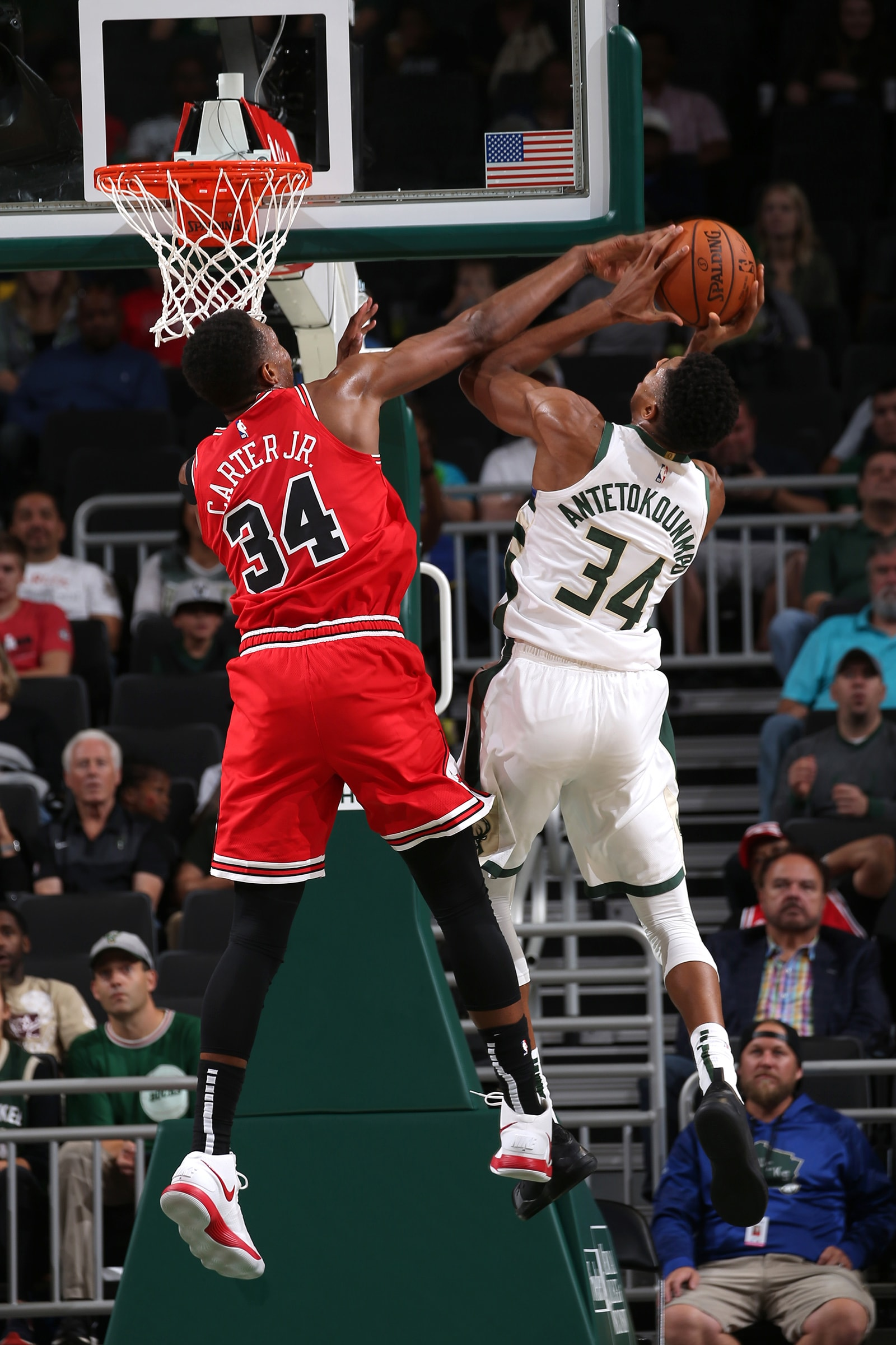 Wendell Carter Jr goes up against Giannis Antetokounmpo